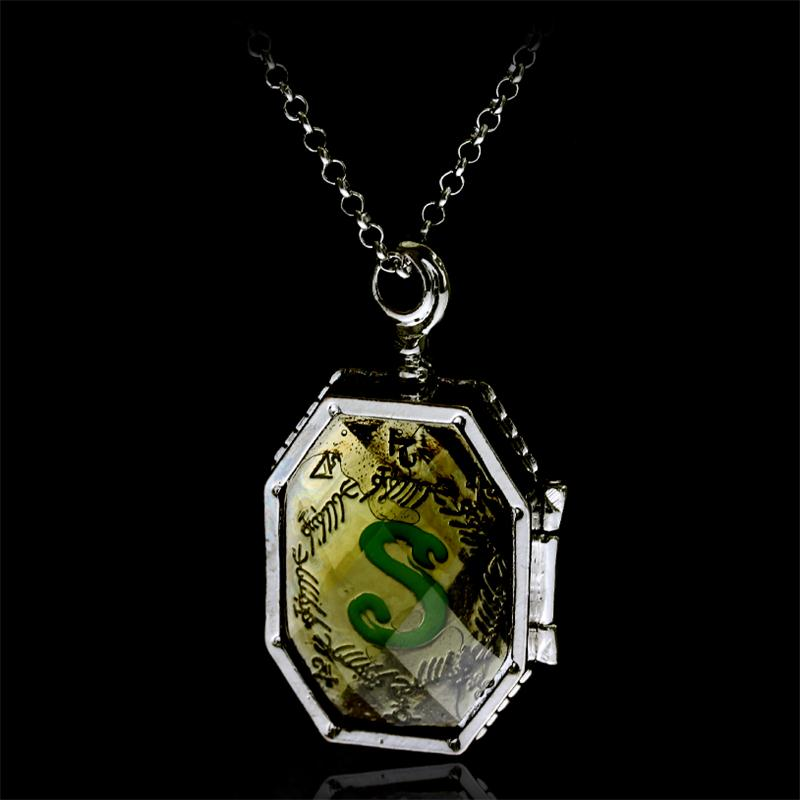 20 pcs/lot Fashion Slytherin College Treasures Horcrux Locket Necklace Slytherin Box Horcrux Kit Necklaces Pendant Movie Jewelry-in Pendant Necklaces from Jewelry & Accessories