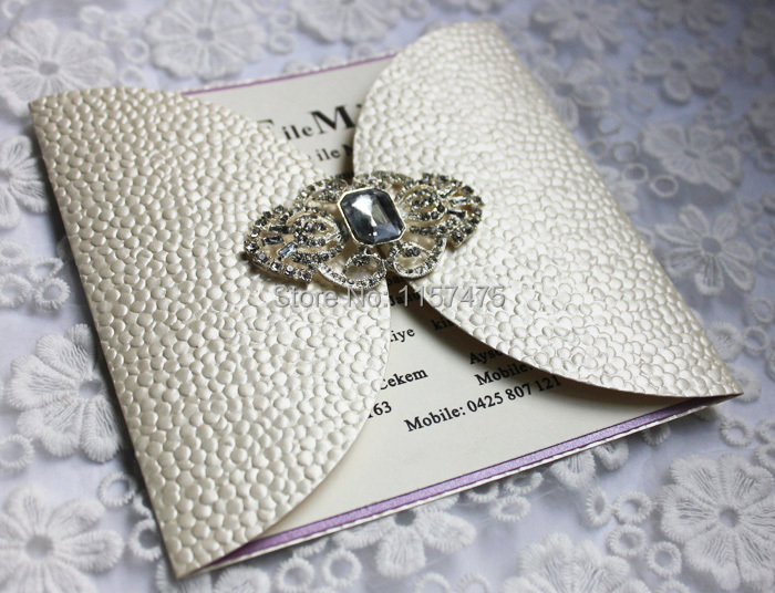 Hi7006 07 Luxurious Beige Wedding Card