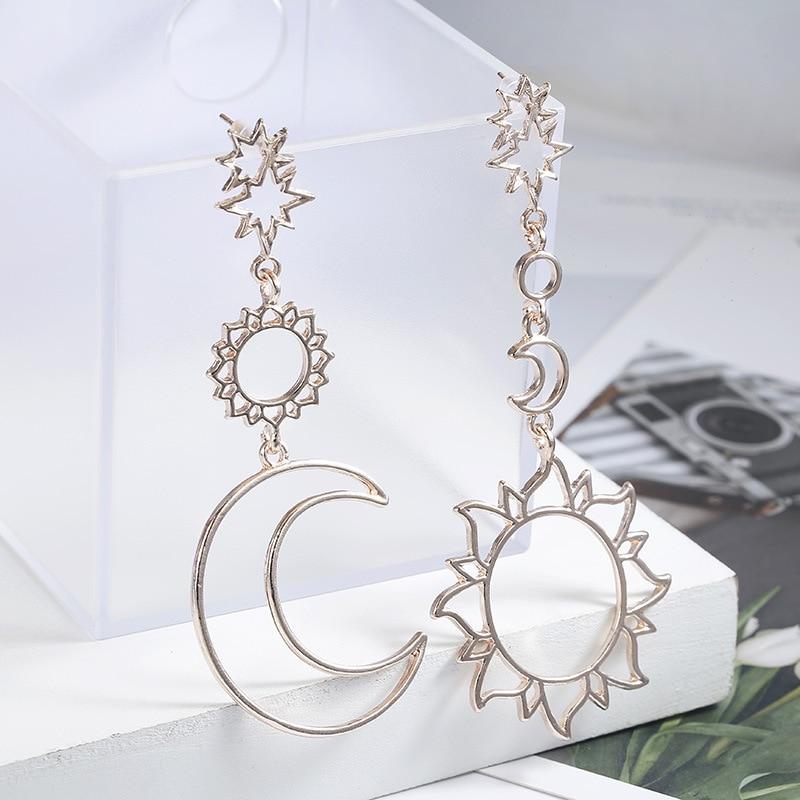 Korean Version Of The 2019 Fashion New Earrings Simple Sun God Moon God Asymmetric Exaggeration