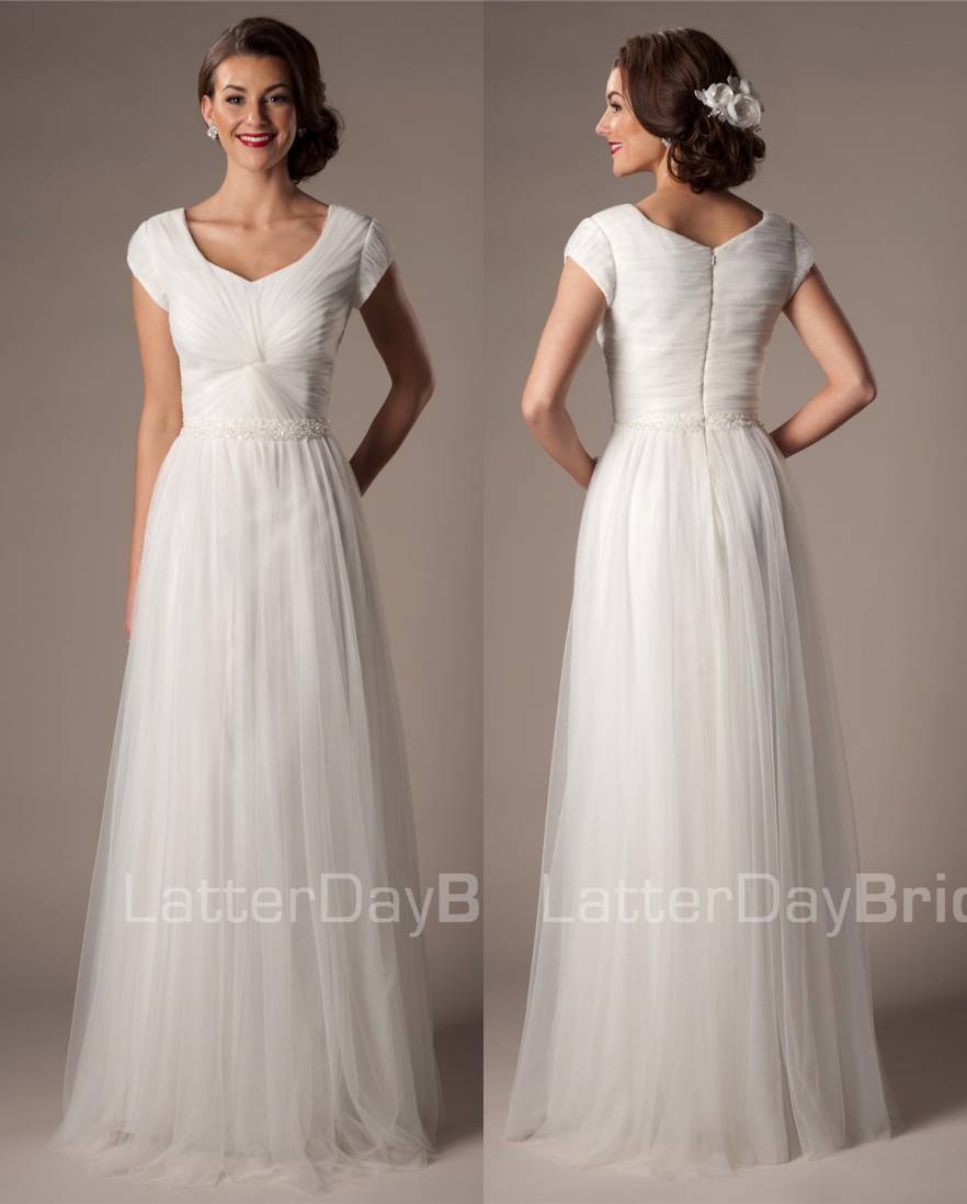 Ivory Tulle Modest Wedding Dresses With Cap Sleeves Beaded Belt Pleats Mature Women Informal Beach Gowns Country Western