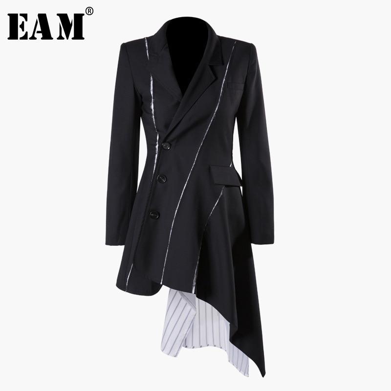 [EAM] 2019 New Autumn Winter Lapel Long Sleeve Black Striped Irregular Button Split Joint Loose Jacket Women Coat Fashion JQ681