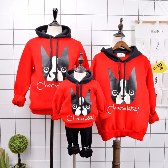 Family Look 2017 Fashion Mother Father Baby Cotton Mommy and Me Clothes Family Clothing Red Hoodies Family Matching Outfits
