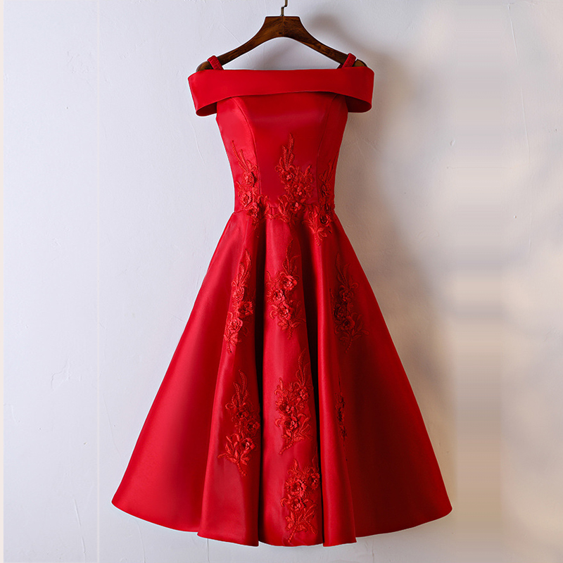 Simple Red Short   Bridesmaid     Dresses   2019 Boat Neck Cap Sleeve Satin Wedding Party Gowns Custom Made Occasion   Dress