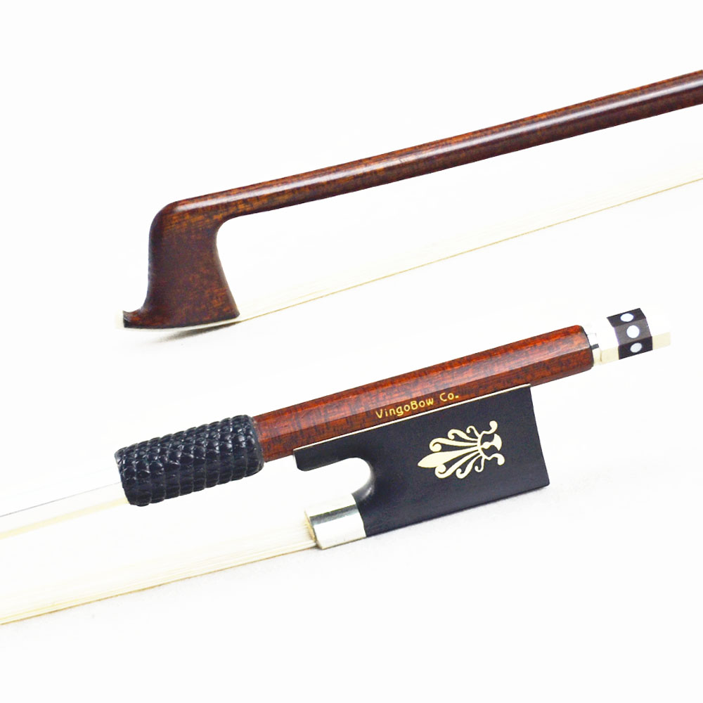 125V 4/4 Size VIOLIN BOW Carbon Fiber Core Pernambuco Skin Stick Ebony Frog Natural White Horsehair Violin Parts Accessories violin bow 4 4 high grade brazil wood ebony frog colored shell snake skin violino bow fiddle violin parts accessories bow
