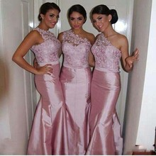Scalloped One Shoulder Bridesmaid Dress Appliqued Lace Wedding Party Dress Floor-Length Sleeveless Satin Mermaid Sisters Dress