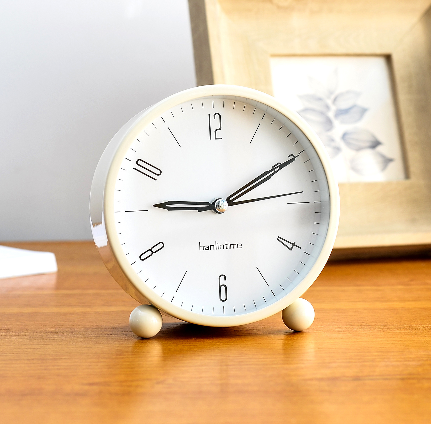 Kids alarm clock modern design decorative children room mini metal table clocks with nightlight desk watch silent 5 inch in alarm clocks from home garden