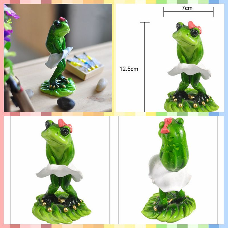 Free shipping Cute Funny Frog Family Mini Figures Skirt styles Resin toys cake car font b