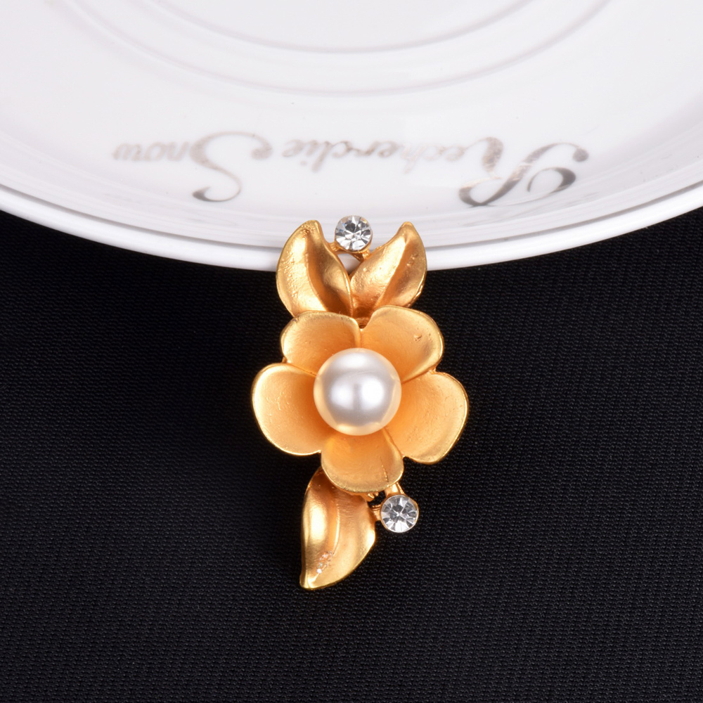 Wholesale Price Jewelry Rose Gold Color Charmed Brooches