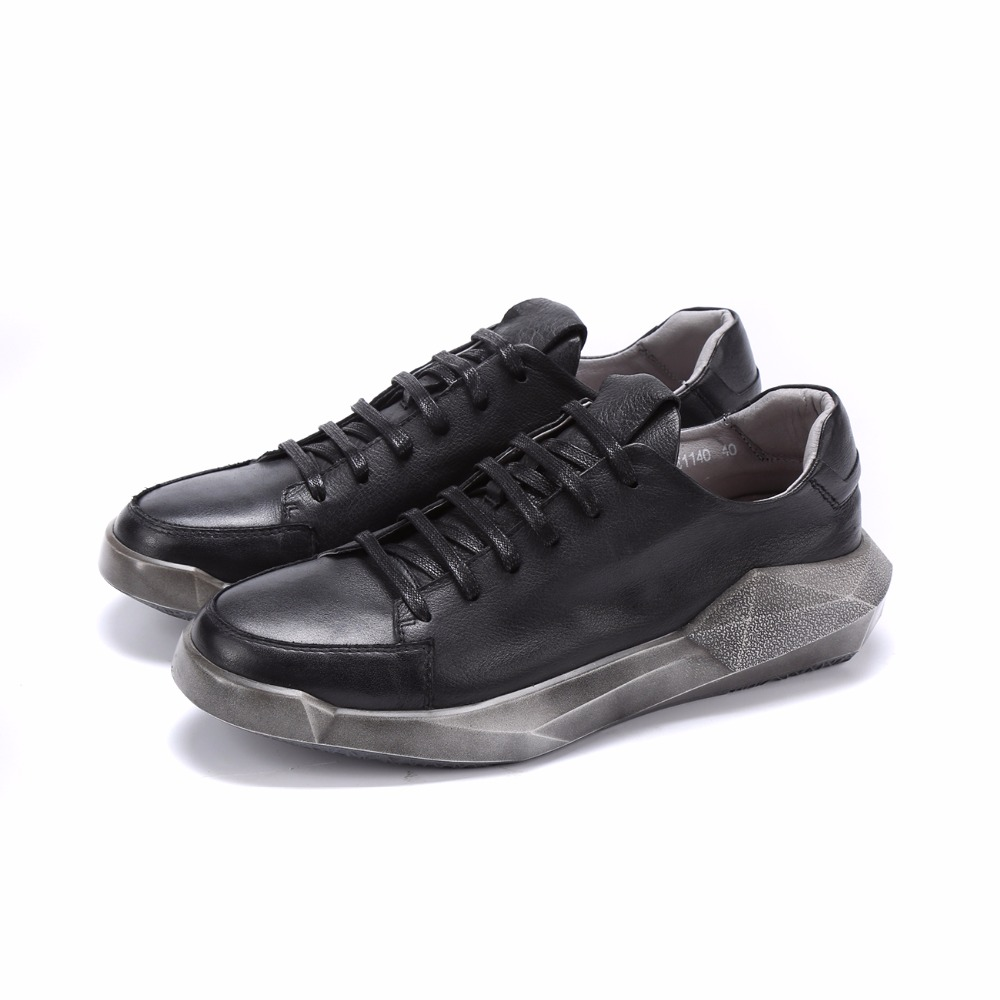 Fashion black / white retro mens shoes genuine leather outdoor shoes mens casual shoes
