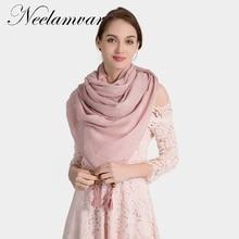 Neelamvar marque écharpe femmes Automne Hiver chaud châles avec glands mode  de dames solide plaid foulards echarpe comme un cade. 4914ff55266