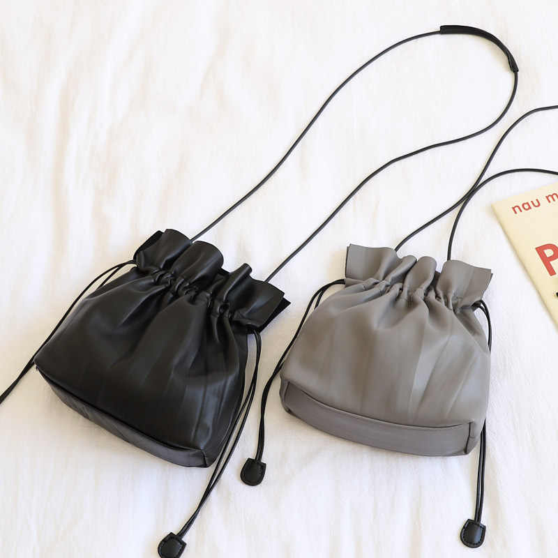Female Cute Small Drawstring Shoulder Bag Fashion Casual Leisure Quality Pu Leather Mini Cellphone Crossbody Bag for Women