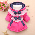 2016 New Children Girls Outerwear Jackets Baby Girls Autumn Winter Fashion Hoodies Polka Lace Splice Sweater Bebe Bow-knot Coat
