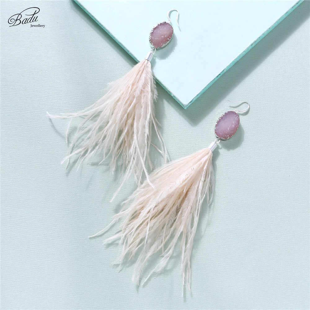 5fca31a96759 ... Badu de moda de las mujeres pendiente de plumas de avestruz estilo  bohemio de cristal de ...
