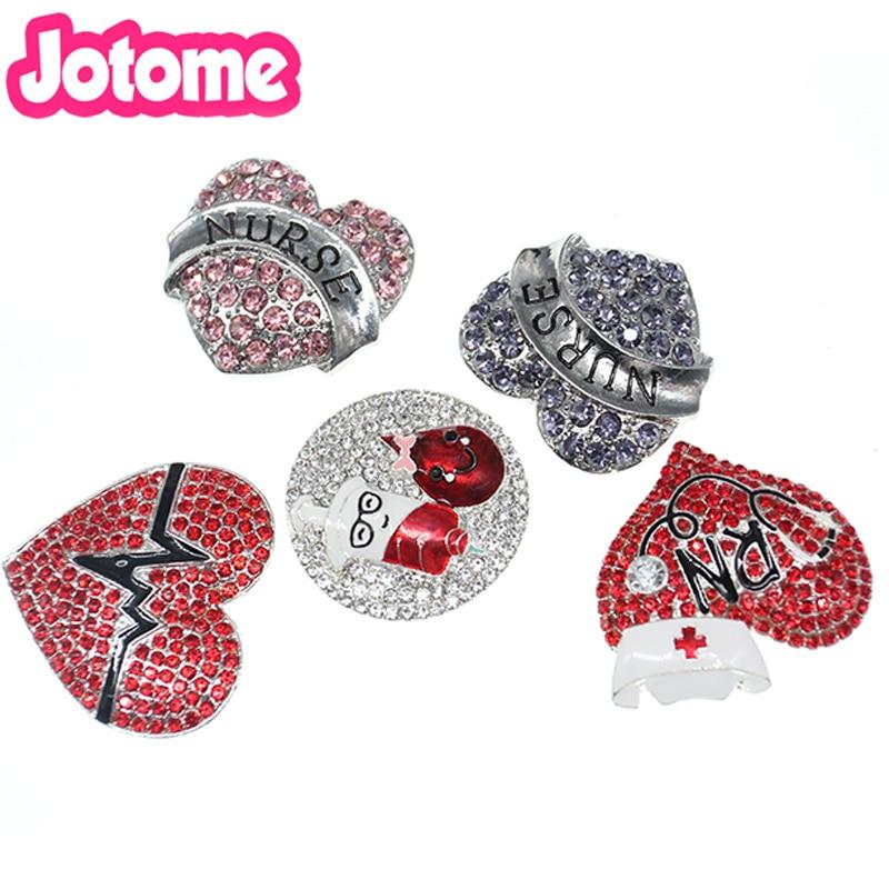 En gros 100 pcs/lot émail strass médical forme de coeur infirmière/RN bijoux dos plat sans broche broche pour cadeau de décoration