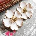 Venda quente coreano jóias brincos atacado para as mulheres Super bonito esmalte branco esmalte brincos flor de jasmim de E77