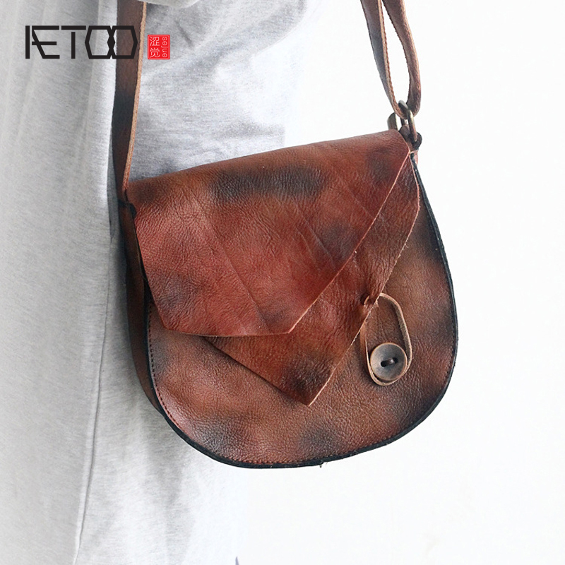AETOO The new retro first layer of leather handbags personalized leather small round rubbing color shoulder Messenger bag hand p qiaobao 2018 new korean version of the first layer of women s leather packet messenger bag female shoulder diagonal cross bag