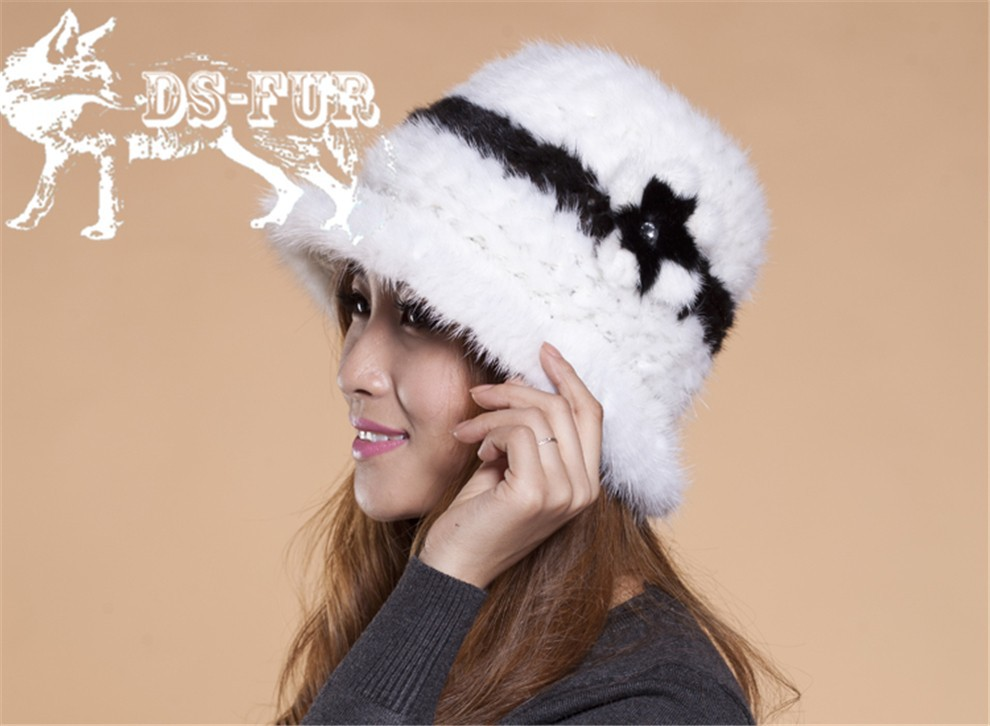 Mink knitted hats black and white stripes04