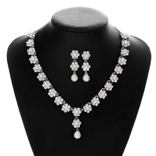 Ladies Fashion Pearl Necklace Earrings Jewelry Set Women Bridal Jewelry Wedding Necklaces Set Rhinestone Crystal Drop Pendant недорого