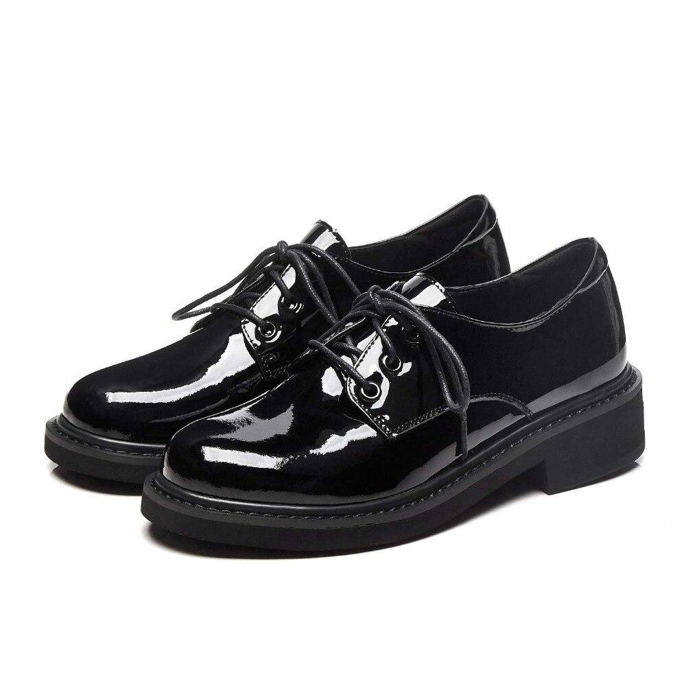 e8474b3a988 Chunky Tacones Campus Negro 2 L82 Encaje Caliente Británico De black  Genuino Mujeres Cuero Bombas Zapatos Las Black Estilo Saliendo Nueva Llegada  ...