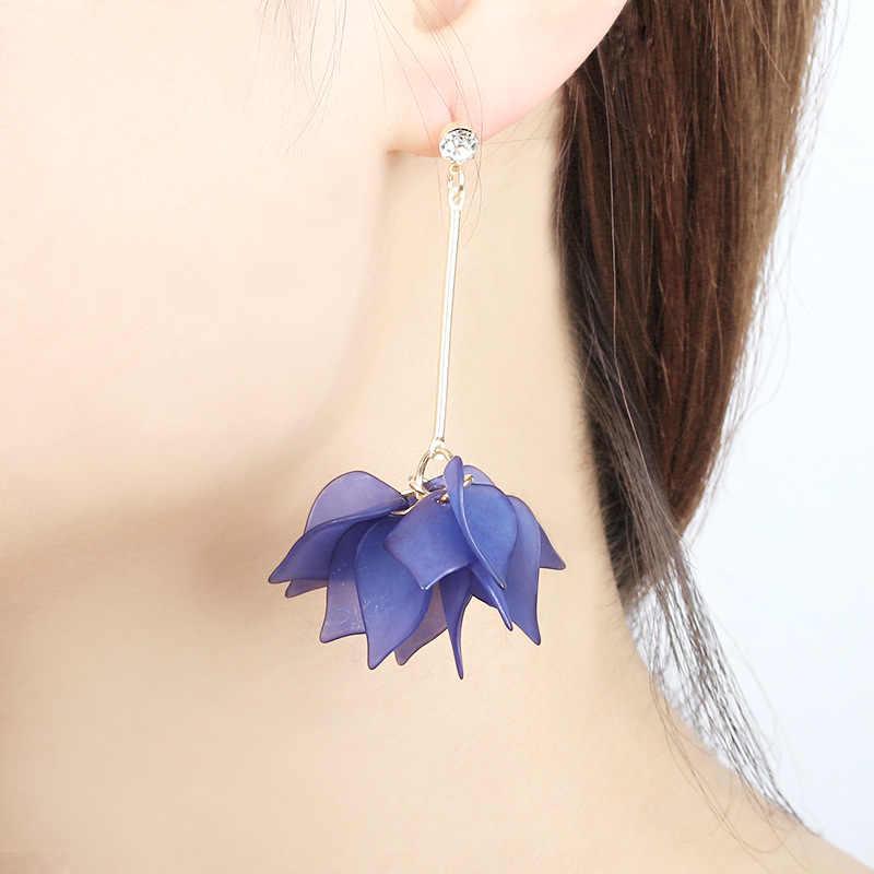 Frauen Luxuriöse Imitation blume Ohrringe Legierung Ohrstecker Ohrringe Schmuck