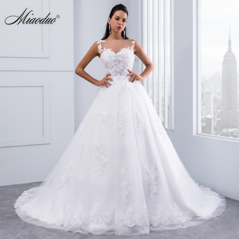 Miaoduo Ball Gown Wedding Dresses 2020 Lace Appliques Sleeveless Bridal Gowns Crystal Sashes Vestido De Novias Hochzeitkleid New