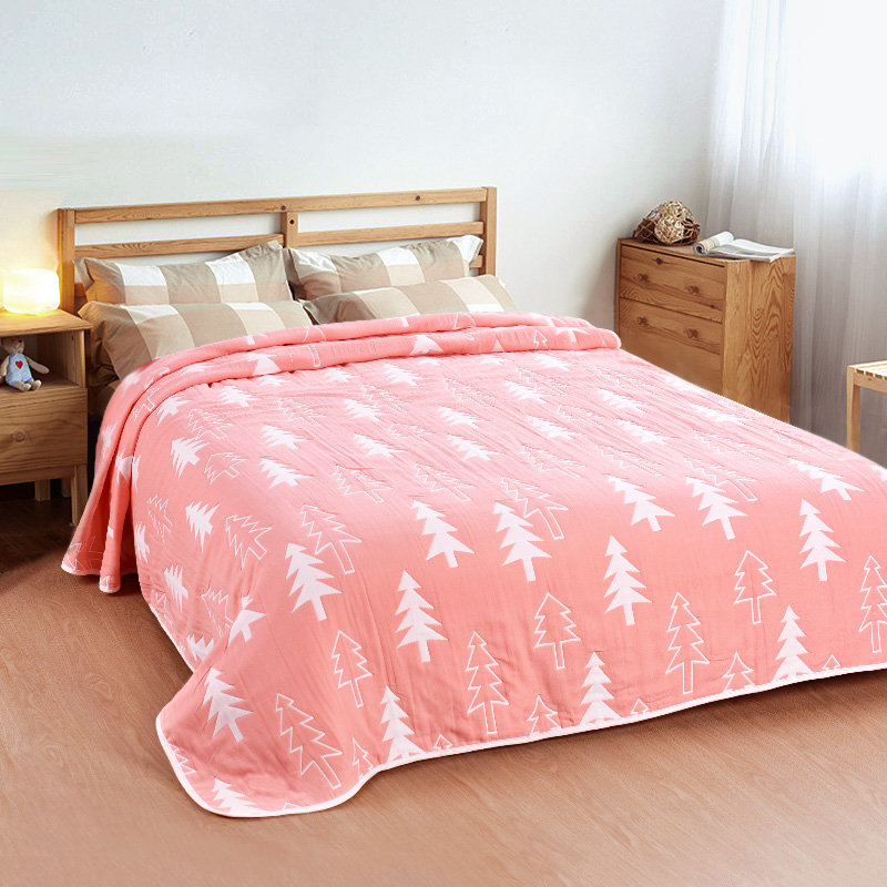 Six Layers Muslin Blanket Summer Quilt Double King Size Blanket 100 Cotton Blanket on the bed