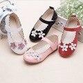 Branco vermelho rosa preto sapatos de couro meninas princesa Falso escola 2016 flores da primavera menina sapatas do miúdo de 4 anos grande tamanho do bebê 7 flats
