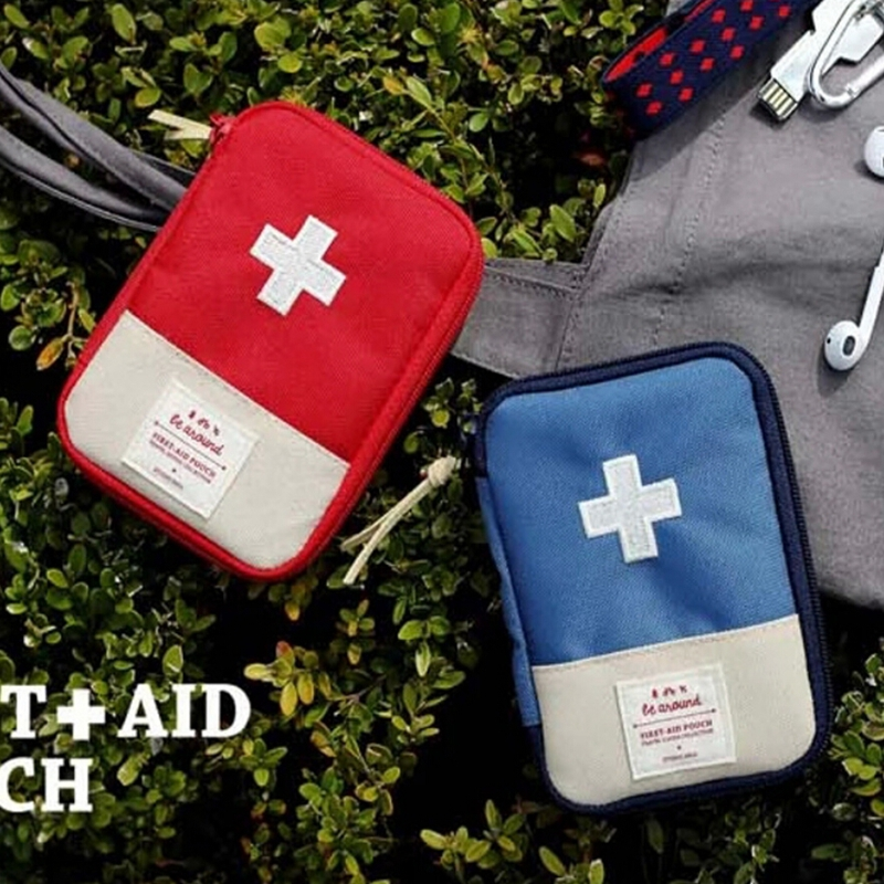 1Pcs New Mini Outdoor Medicine Pouch Camping Hiking Survival Bag Travel Emergency First Aid Kit Bag 2 Colors F0546