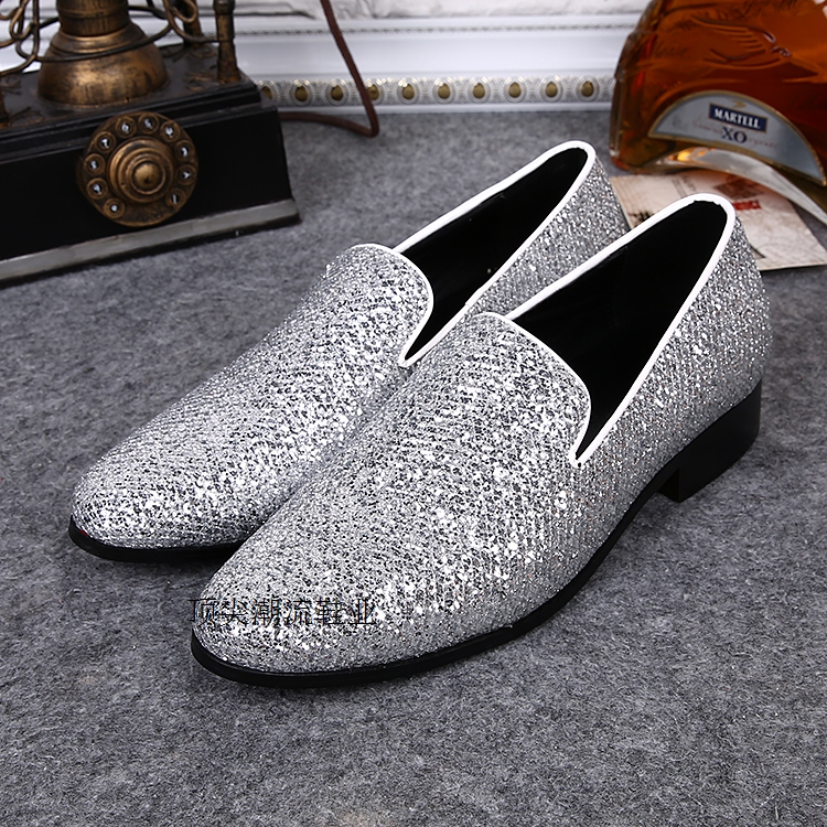 British Fashion Style Sliver Glitter Leisure Party Shoes Male Slip On Loafers Leather Velvet Slippers Elegant wedding Men Shoes British Fashion Style Sliver Glitter Leisure Party Shoes Male Slip On Loafers Leather Velvet Slippers Elegant wedding Men Shoes