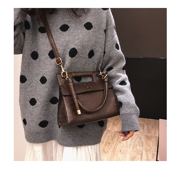 3 (8)Sac à Main Croco Style Vintage en simili cuir