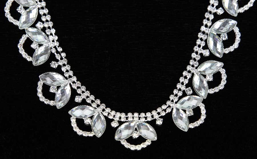 10Yards Crystal Flower Silver Gold Diamond Brass Rhinestone Chain For Wedding Dress 22mm10Yards Crystal Flower Silver Gold Diamond Brass Rhinestone Chain For Wedding Dress 22mm