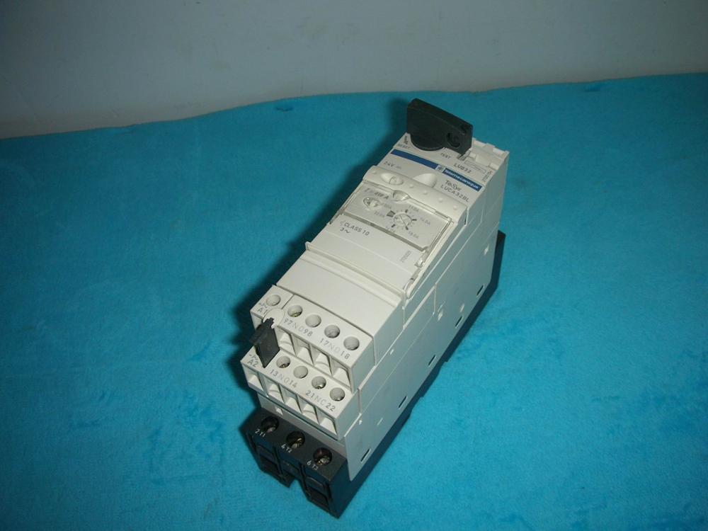 1PC USED Schneider/ Schneider proud horse series controller LUCA32BL 1pc used fatek pm fbs 14mc plc