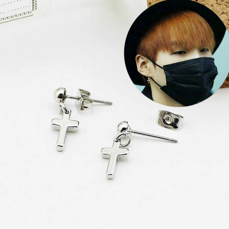 e81fe00b8cd6 1 piezas KPOP Bangtan niños álbum Cruz pendientes Corea accesorios de  joyería de moda para hombres