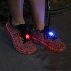 1 шт. светящийся клип обуви свет ночь Сияющий вспышка света Предупреждение кроссовки/одежда/сумки/велосипед 3 цвета
