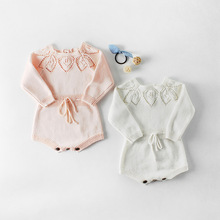 Everweekend Sweet Baby Girls Crochet Flower Neckline Sweater Rompers Adjustable Waist Pink White Color Spring Autumn Clothes