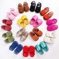 2016 nuevo verano de LA PU suela de goma de Cuero mocasines Bebé Girls sólidos Zapatos de Bebé Infant Toddler Primeros Caminante antideslizante zapatos
