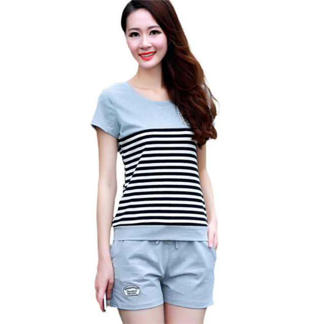 Women Sporting Suits Two Piece Set Summer Short Sleeves Striped T Shirt Tops+Shorts Sweat Set Women's Tracksuits Runway Outfit