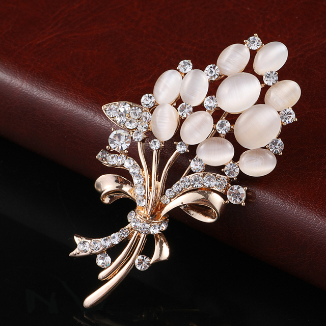 Hot Selling Fashionable Opal Stone Flower Brooch Pin Rhinestone Garment Accessories Birthday Gift