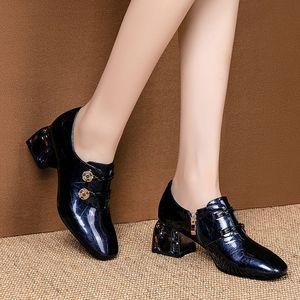 Image 5 - Allbitefo 라인 석 발 뒤꿈치 정품 가죽 하이힐 여성 신발 여성 하이힐 신발 숙녀 신발 여성 발 뒤꿈치 크기: 34 42