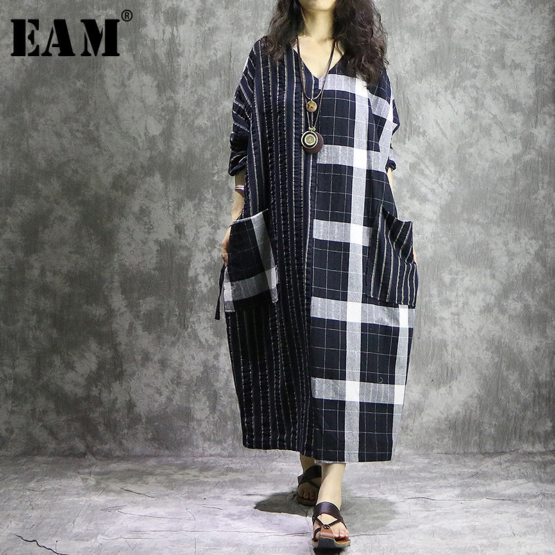 [EAM] 2018 New Summer Fashion Tide Striped Patchwork Plaid Pockets Hit Color V-neck Loose Big Size Woman Dress S880