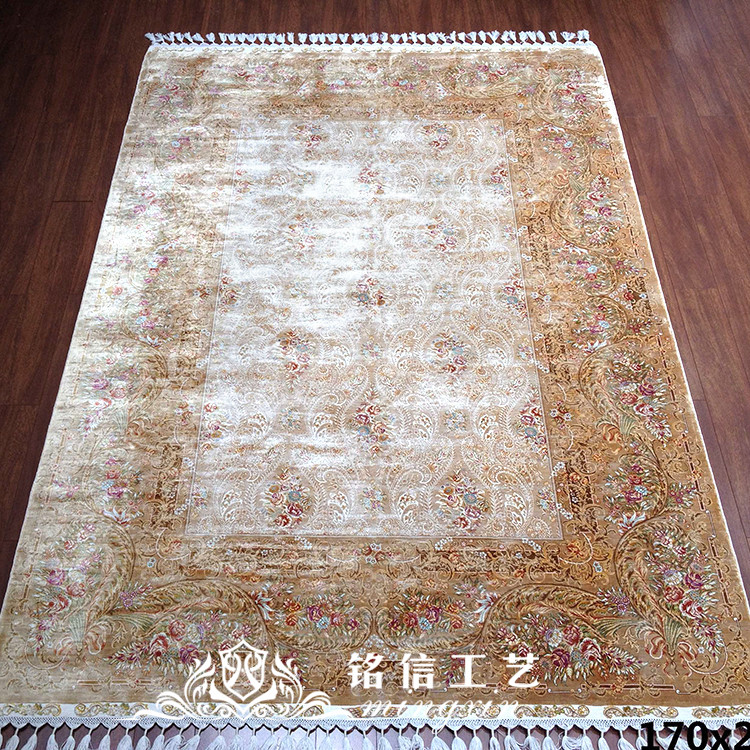 Tapis en soie florale 5.5 'x8' tapis en soie turcs noués à la main pour la maison