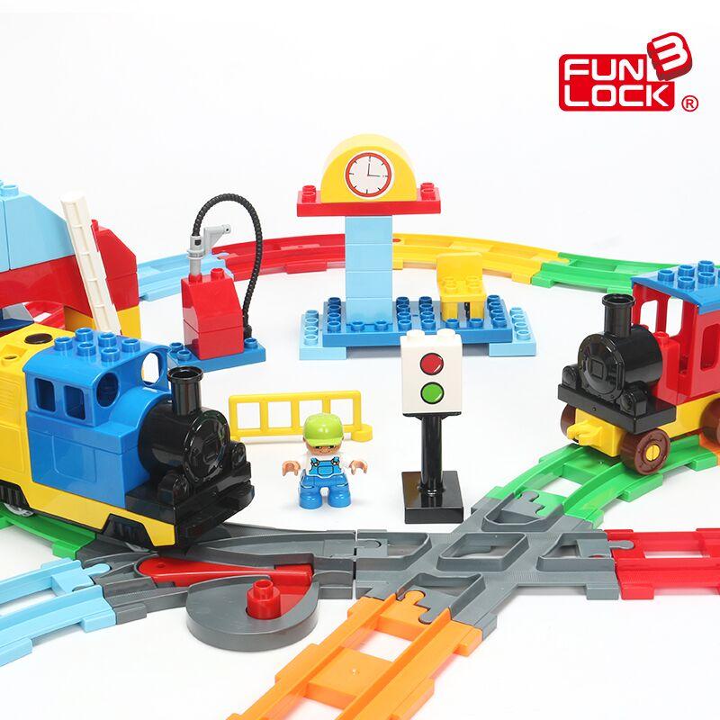 Blocos de Trem Funlock duplo Auto Bateria Operado Vagão de trem Trilha Crianças Brinquedos de Montagem De Peças Ferroviárias