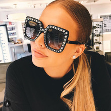 цена на Oversize sunglasses Top Rhinestone Luxury Brand Designer Sunglasses for Women Square Shades Women Fashion Retro Sunglasses