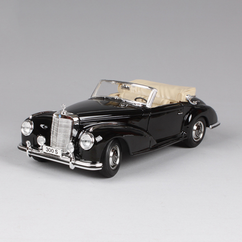 1:18 diecast Car 1955 300S Roadster Coupe Black Classic Cars 1:18 Alloy Car Metal Vehicle Collectible Models toys For Gift new year gift 1965 sting ray 1 18 metal model car classic roadster alloy collection vehicle decoration simulation toys