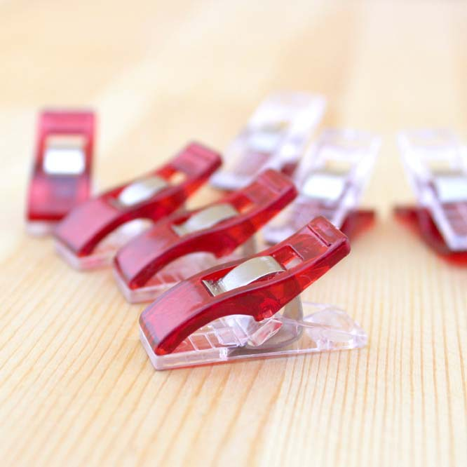 50 Pcs/lot Red PVC Plastic Binder Clips Cute Mini 2.7*1cm Office Clip For Patchwork Sewing DIY Crafts Paper Stationery School