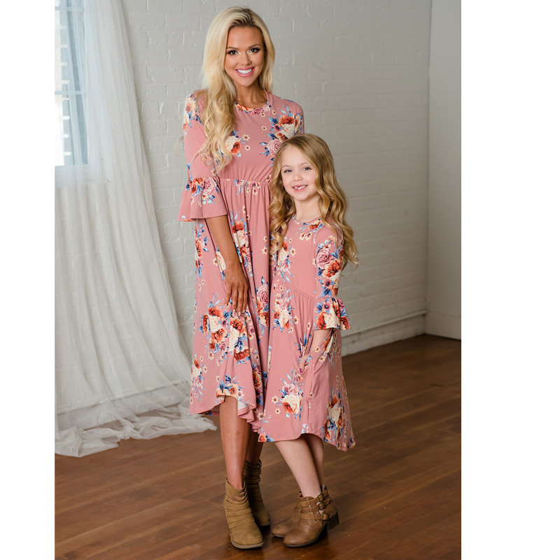 Family Matching Clothes Girls Dresses Matching Mom Daughter Floral Dress Family Look Dress Mom and Daughter Mommy and Me Clothes family matching outfits kids girls and mom clothes floral print dress mom girls pleated party skirts mother and daughter dresses