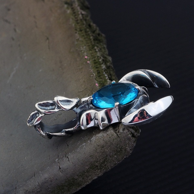 KJJEAXCMY boutique jewelry  S925 pure silver inlay blue crystal scorpion king pendant men and women retro pendant 4
