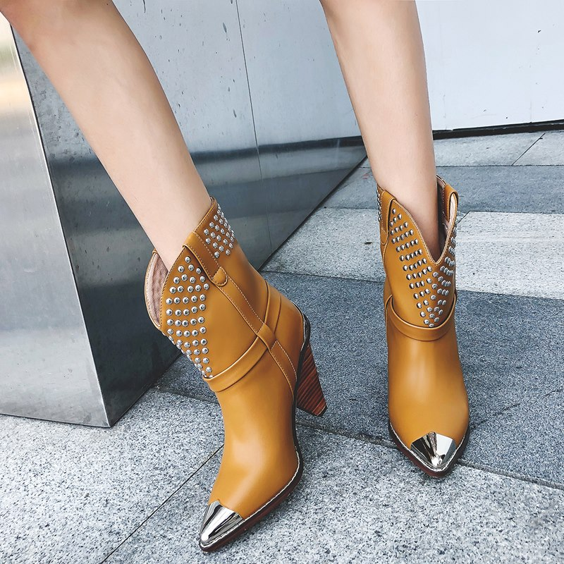 Punk Shoes Style Real Leather Boots Women Metal Rivets Studded Genuine Leather Ankle Boots Pointed Toe Middle Heel Botas Mujer