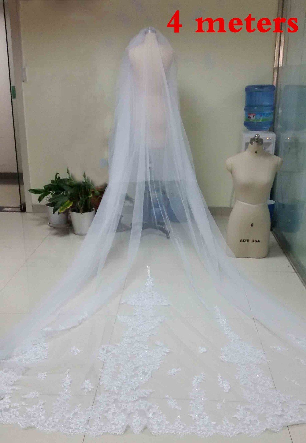 4 Meters WhiteIvory Beautiful Cathedral Length Lace Edge Wedding Bridal Veils With Comb Long Bridal Veil Voile Mariage 2015 (4)
