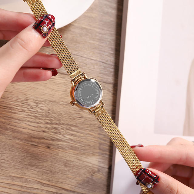 Ultra Thin Small Quartz Wristwatches